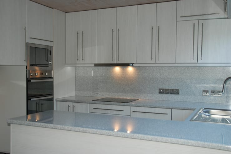 Oven area after renovation:   by The Kitchen Makeover Shop Ltd