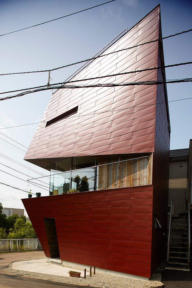 外観3: 石塚和彦アトリエ一級建築士事務所が手掛けた家です。,モダン