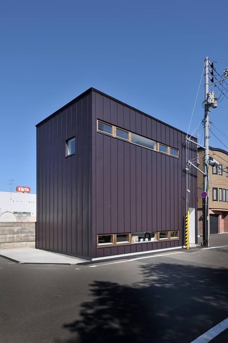 外観: 石塚和彦アトリエ一級建築士事務所が手掛けた家です。