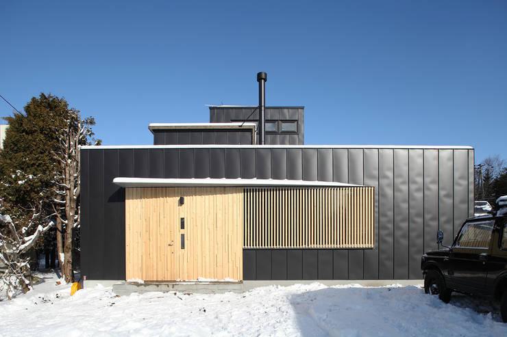 外観1: 石塚和彦アトリエ一級建築士事務所が手掛けた家です。,