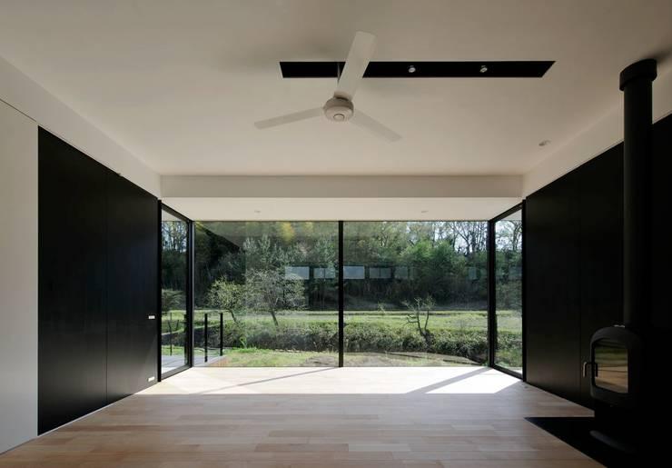 KI house: Kawamura Architectsが手掛けたリビングです。