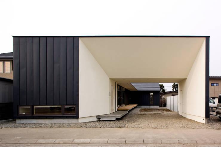 外観2: 石塚和彦アトリエ一級建築士事務所が手掛けた家です。