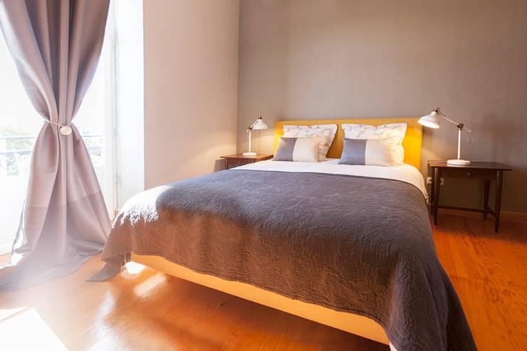 Dormitorios de estilo  de Home Staging Factory
