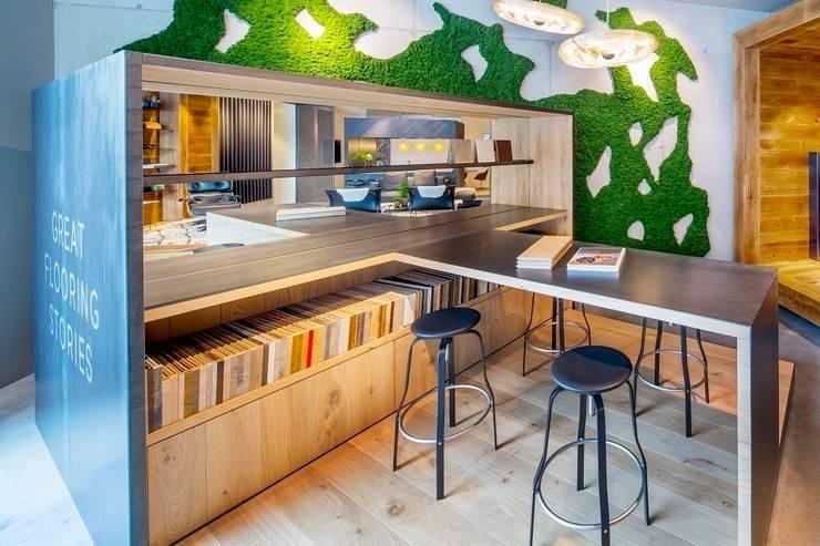 Hakwood Studio retail (studio shop):  Offices & stores by Hakwood   Great Flooring Stories