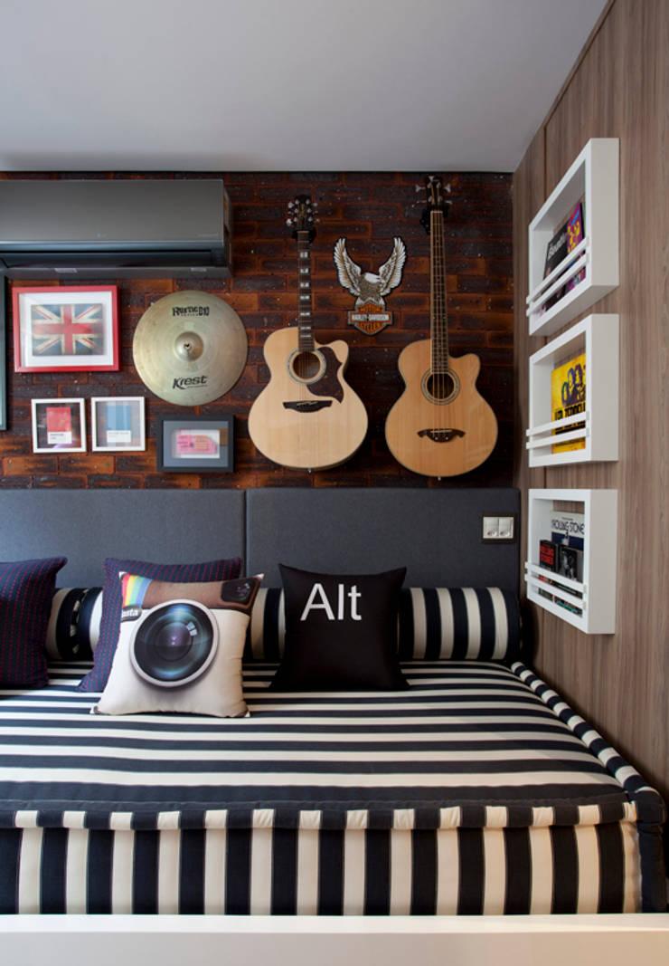 Apartamento Bossa: Quartos  por Juliana Pippi Arquitetura & Design,Moderno