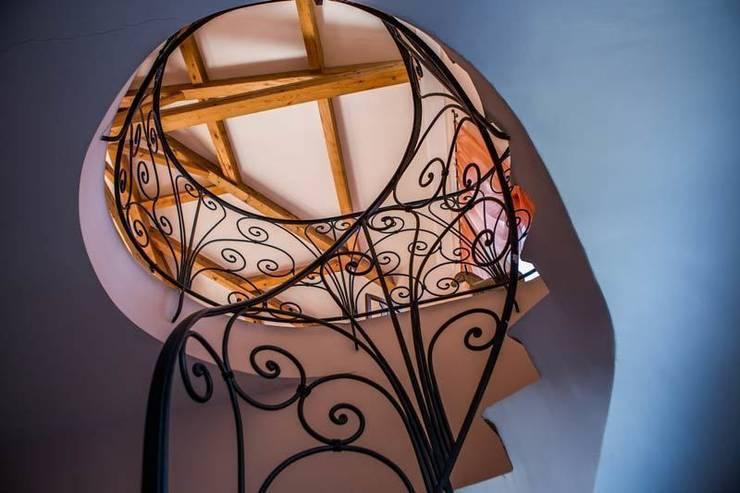 Escalier en colimaçon : Couloir, entrée, escaliers de style de style Classique par Alexandre Lorig SARL