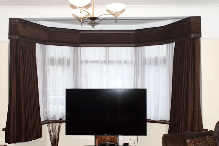 Made to measure curtains:  Windows & doors  by Alf Onnie