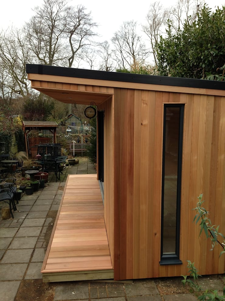 Oak Garage:  Garage/shed by RTC
