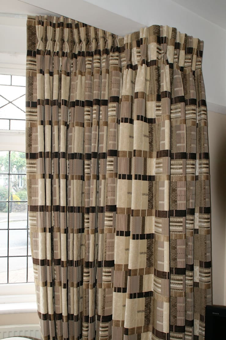 After: Curtains around complicated bay:   by Alf Onnie