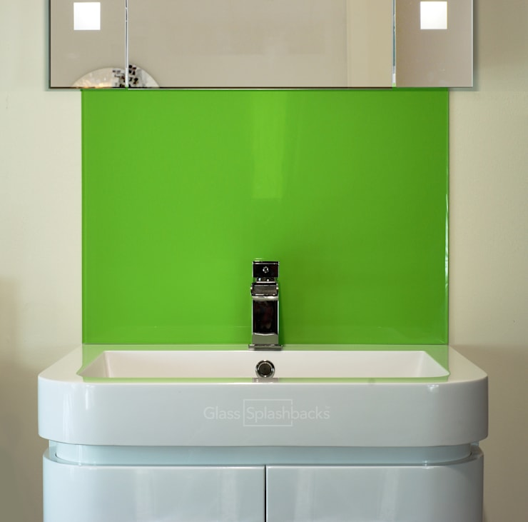 Glass Sink Splashback:  Bathroom by DIYSPLASHBACKS