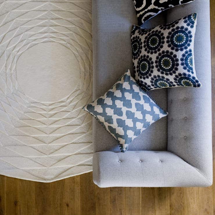 Polygon Rug:  Living room by Niki Jones