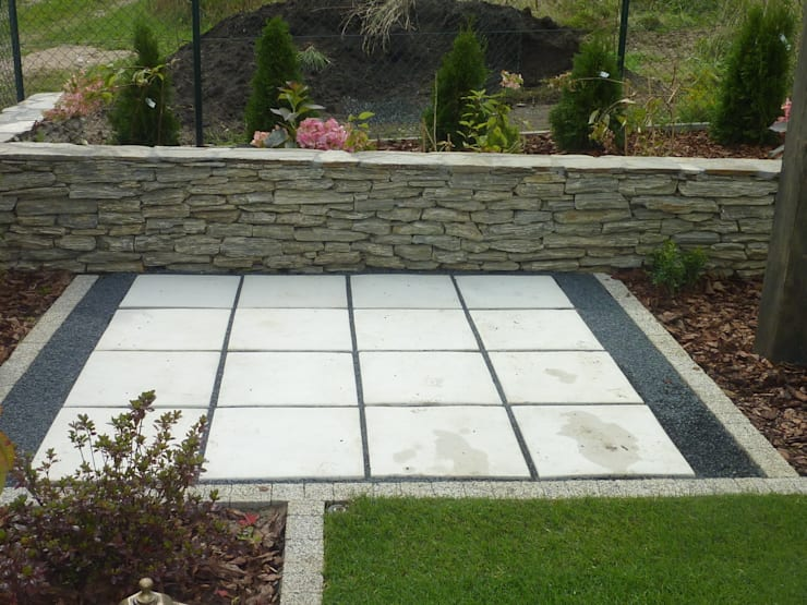 nowoczesny placyk z płyt: styl , w kategorii Ogród zaprojektowany przez Centrum Ogrodnicze GardenPol