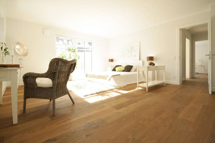 Schlafzimmer:  Schlafzimmer von Home Staging Cornelia Reichel