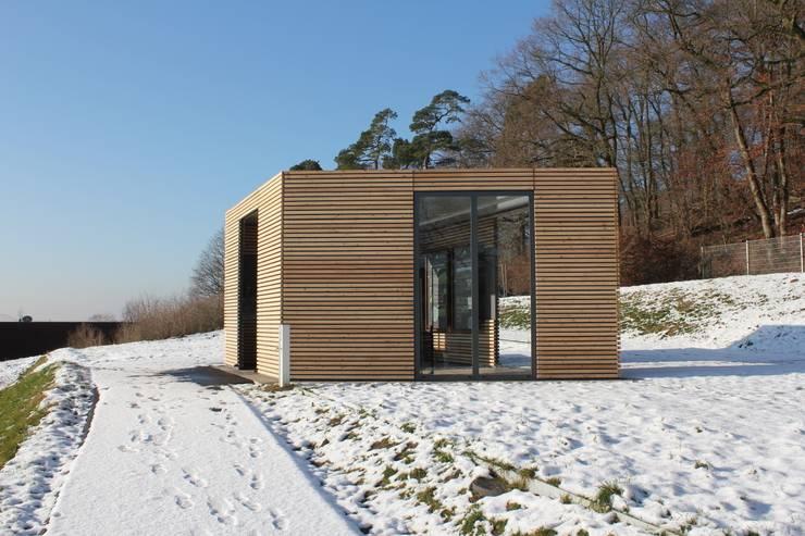 Design Pavillon Stahlkubus mit Holzbelattung FMH:  Museen von Fellbacher Metall- und Holzbau GmbH