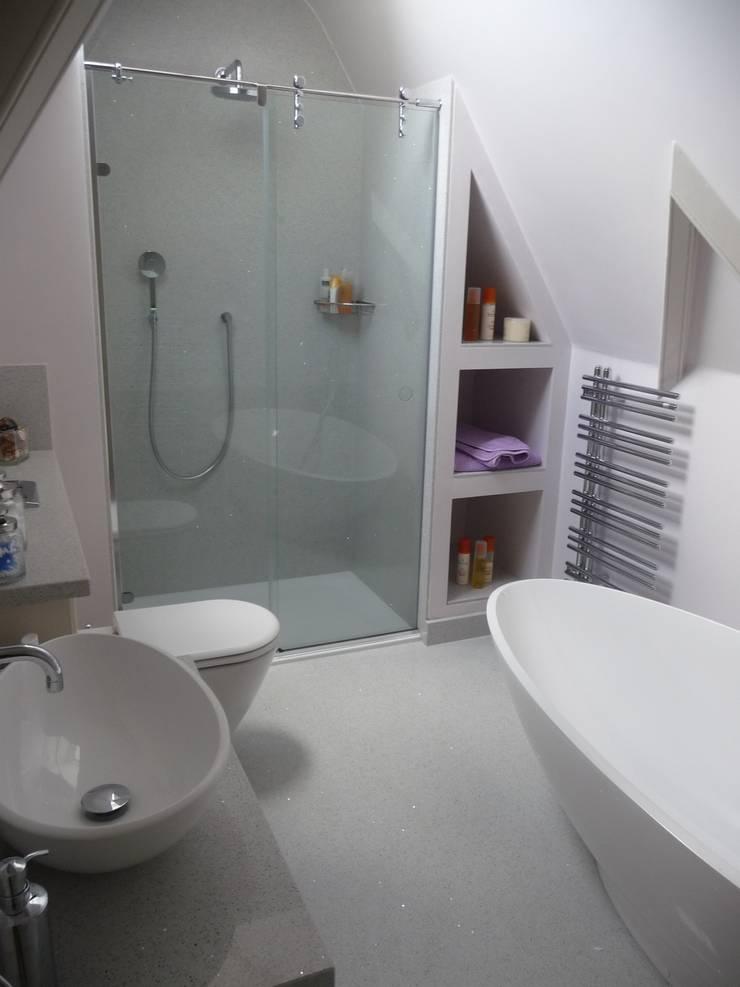 Silestone Stellar Blanco Quartz:  Bathroom by Marbles Ltd
