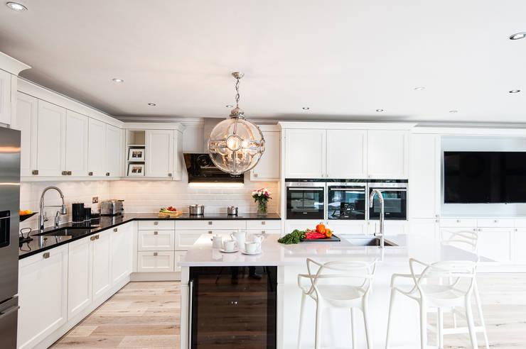 Urban Theme Bristol White:  Kitchen by Urban Myth
