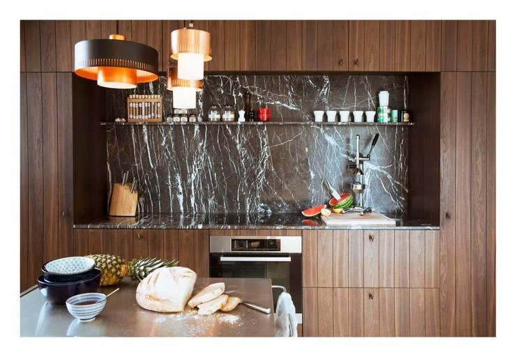 Hoogpoort: Cuisine de style de style Minimaliste par Hélène Van Marcke