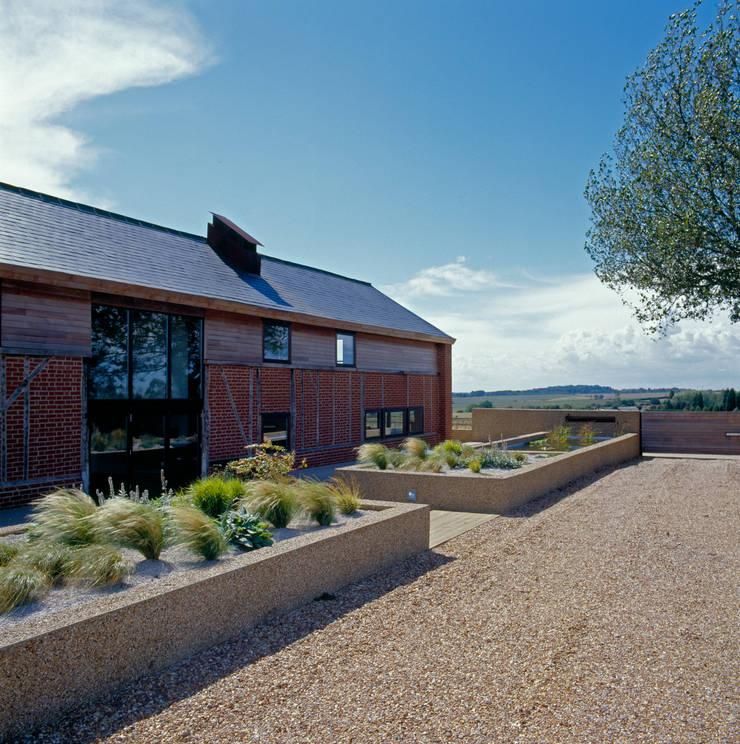 The Long Barn:  Houses by Nicolas Tye Architects