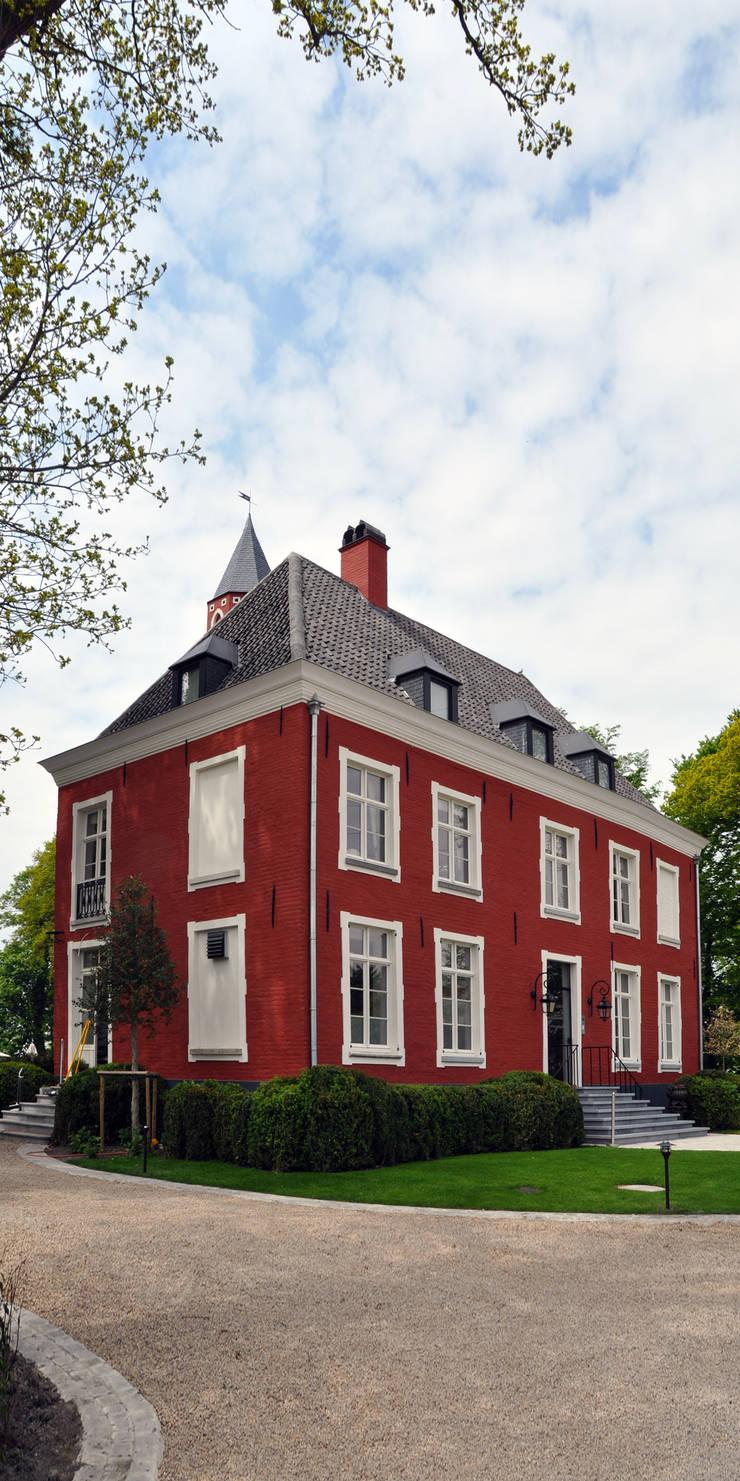 KASTEEL DE GROENE POORT - BRUGGE:   door Callebaut Architecten