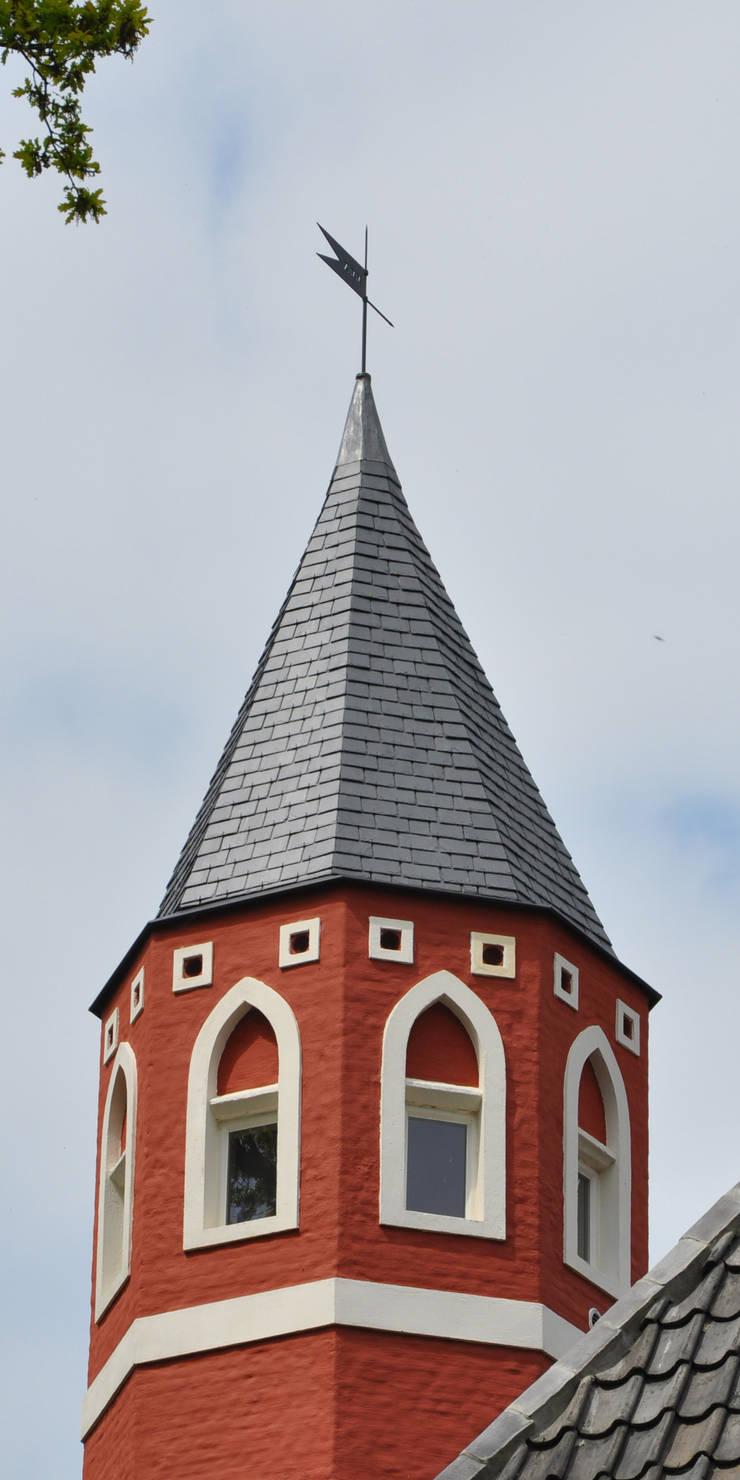 KASTEEL DE GROENE POORT – BRUGGE:   door Callebaut Architecten