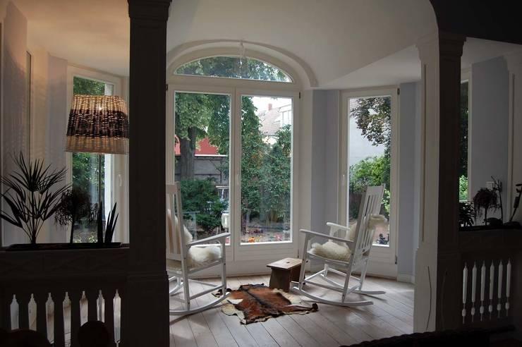 Projekty,  Ogród zimowy zaprojektowane przez Borkenhagen Interior&Design