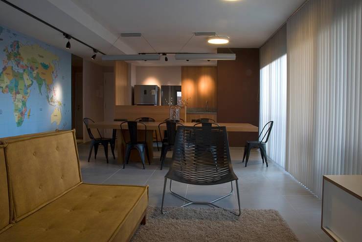 Let's Perdizes | edifício: Salas de multimídia  por ARQdonini Arquitetos Associados