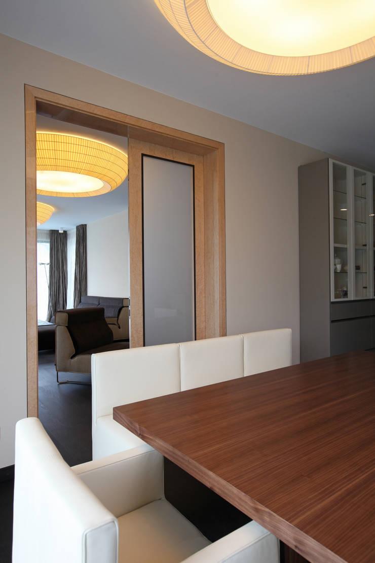 Вилла в Германии: Кухни в . Автор – Архитектурное бюро Лены Гординой