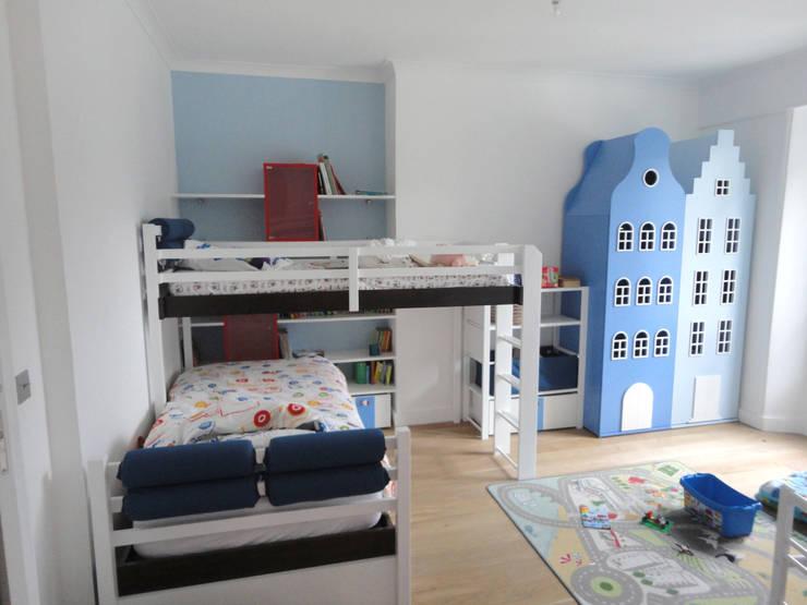 Chambre garçon: Chambre d'enfant de style  par Ateliers Safouane