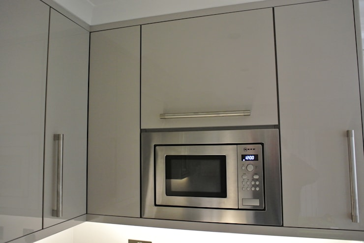 Ultra Gloss Cashmere Cucina Glasgow, City Centre, Scotland:  Kitchen by Glenlith Interiors (Scotland) Ltd