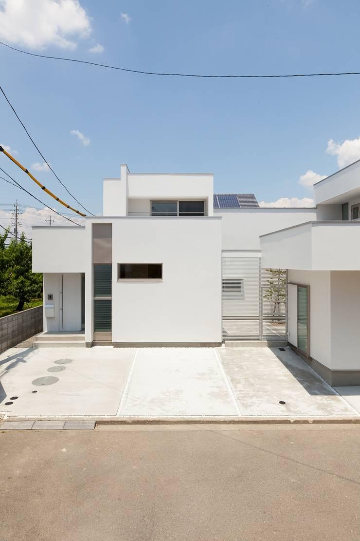 若草の家: KOBAYASHI ARCHITECTS STUDIOが手掛けた家です。,モダン