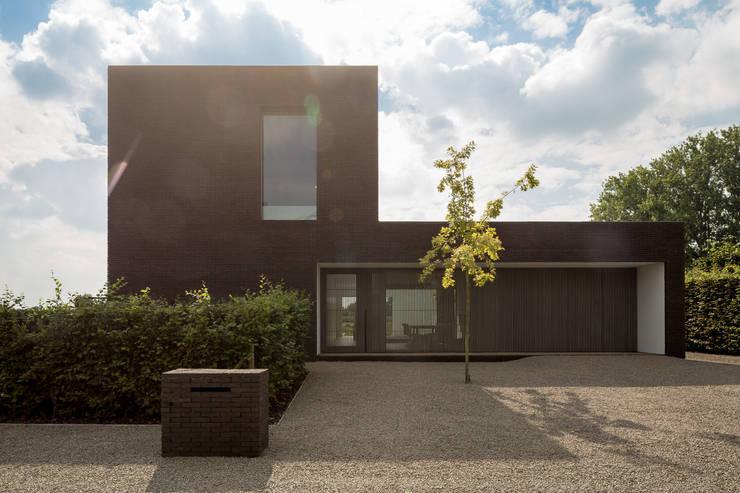 Maison Lebbeke: Maisons de style  par Pascal François Architects bvba