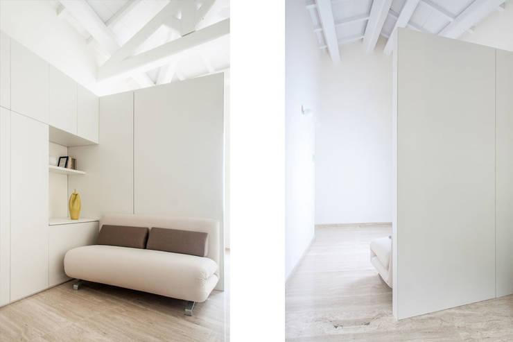 Camera Ospiti: Camera da letto in stile  di Tramas
