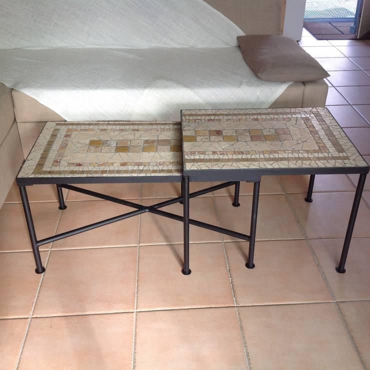 Table gigogne sur mesure: Maison de style  par CREDEMO (CREation DEcoration MOsaique