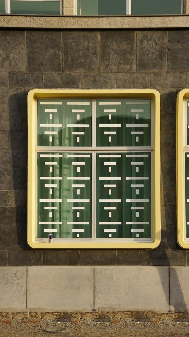 DE SHOP – ANTWERPEN:   door Callebaut Architecten