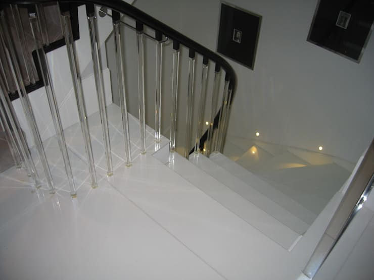 White Japonais: floors, steps in a mansion:  Corridor & hallway by Stoneville (UK) Ltd
