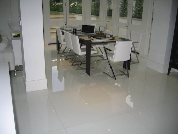 White Japonais: floors, steps in a mansion:  Dining room by Stoneville (UK) Ltd