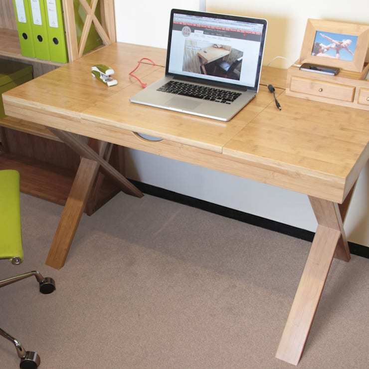 Cable-Tidy Home Office Desk:  Study/office by Finoak LTD