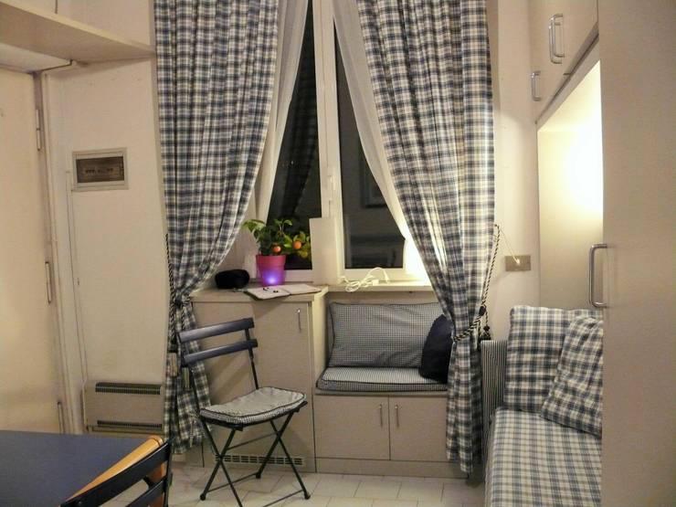 Prima - Lato finestra:  in stile  di Cini Liguori Home Stager