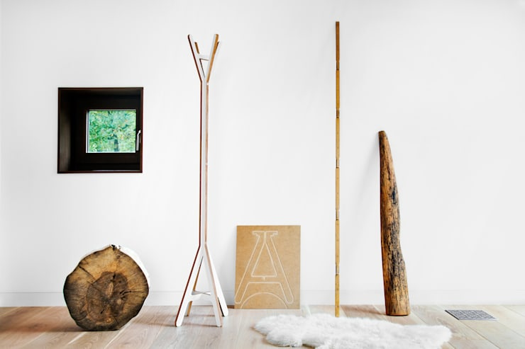 A Coat Stand - white:  Corridor, hallway & stairs by ByALEX