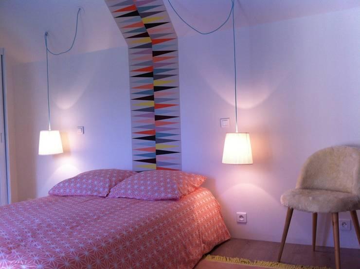Chambre Ado Scandinave: Chambre de style  par At Ome
