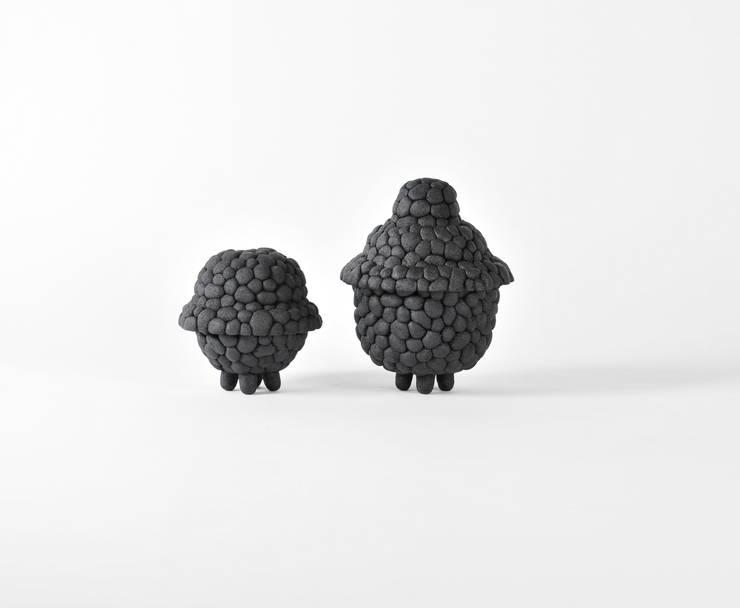 Black Ruby: modern  door Debbie Wijskamp, Modern