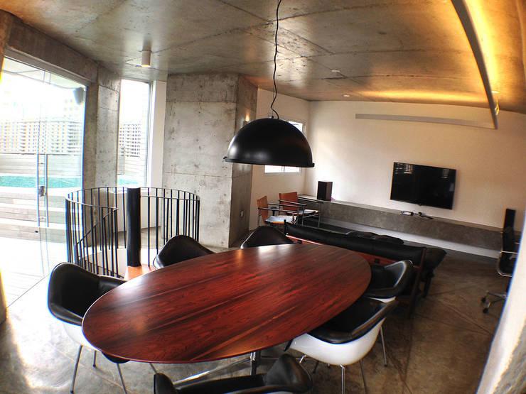 Apartamento Klabin: Salas de jantar modernas por ODVO Arquitetura e Urbanismo