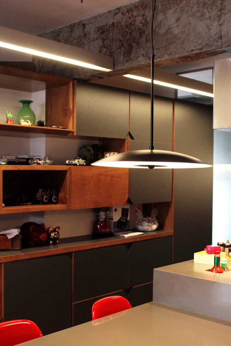 Apartamento Klabin: Cozinhas  por ODVO Arquitetura e Urbanismo