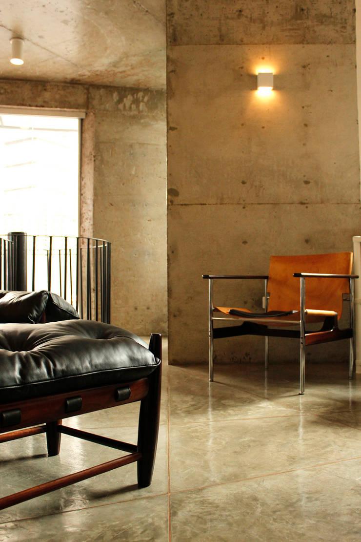 Apartamento Klabin: Salas de estar  por ODVO Arquitetura e Urbanismo