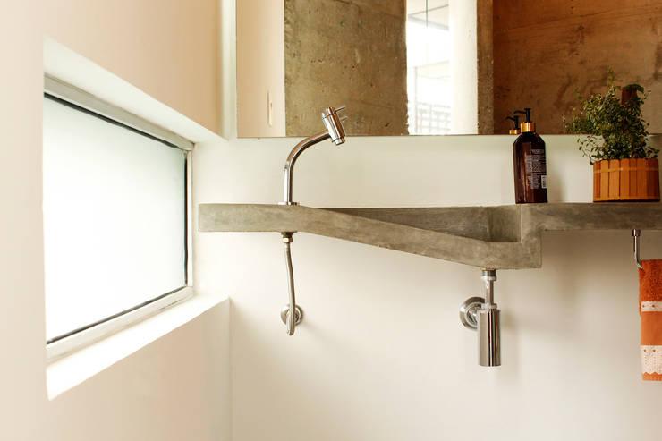 Casas de banho  por ODVO Arquitetura e Urbanismo