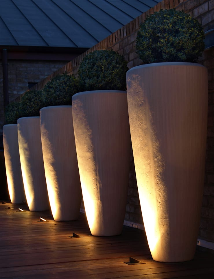 Recessed Lighting Balcones y terrazas de estilo minimalista de Paul Dracott Garden Design Minimalista