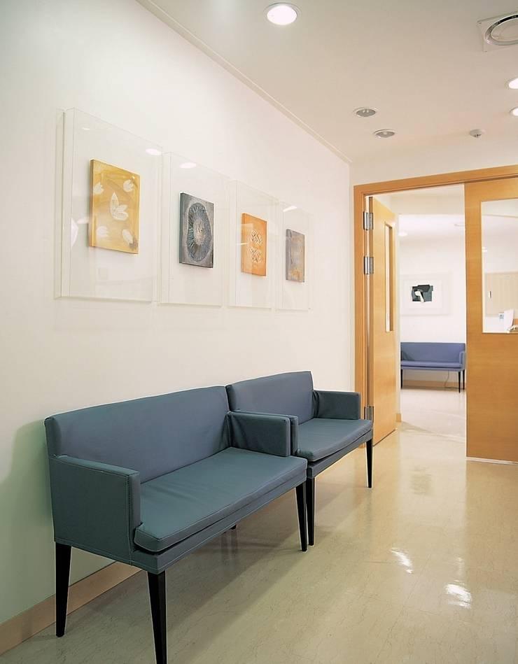 Hospitals by 참공간 디자인 연구소