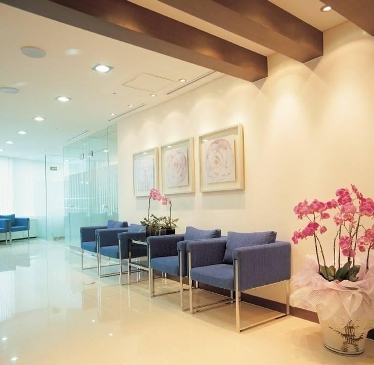 아름다운 나라 성형/피부/에스테틱 전문 병원: 참공간 디자인 연구소의  병원