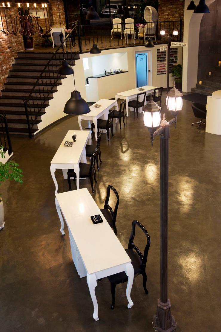 청담동 메디슨 에비뉴: 참공간 디자인 연구소의  상업 공간