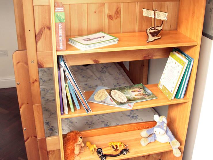 Bunk Bed Hanging Shelf:  Nursery/kid's room by Finoak LTD